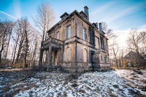 Abandoned mansion 1