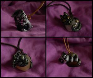 Sleeping animals pendants by Aegileif