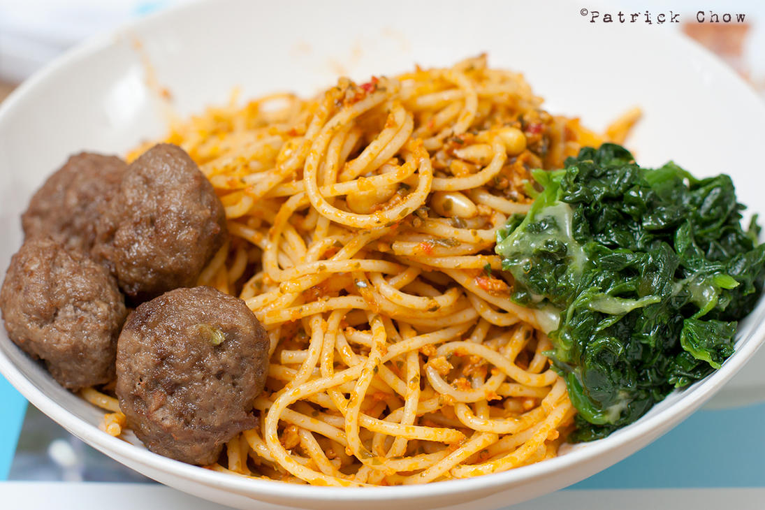 Pasta with meat balls by patchow