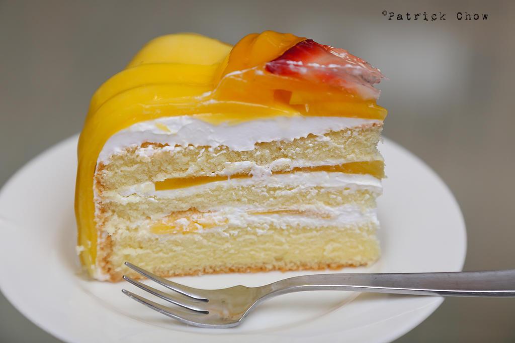 Mango sponge cake by patchow