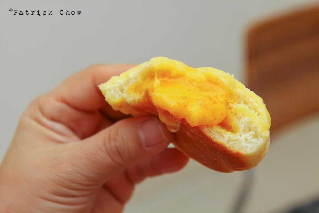 Salted egg yolk custard bun 2 by patchow