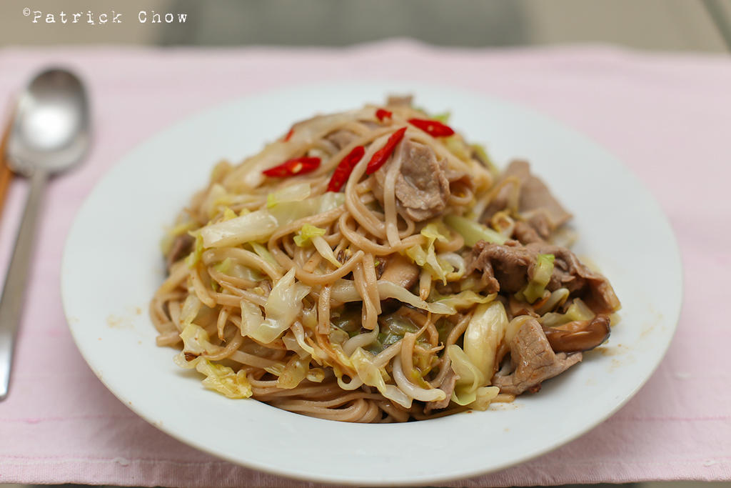 Fried noodles by patchow