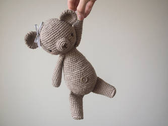 Bea, a bear, a crochet bear