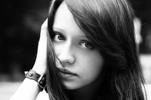 girl by pathyelisia