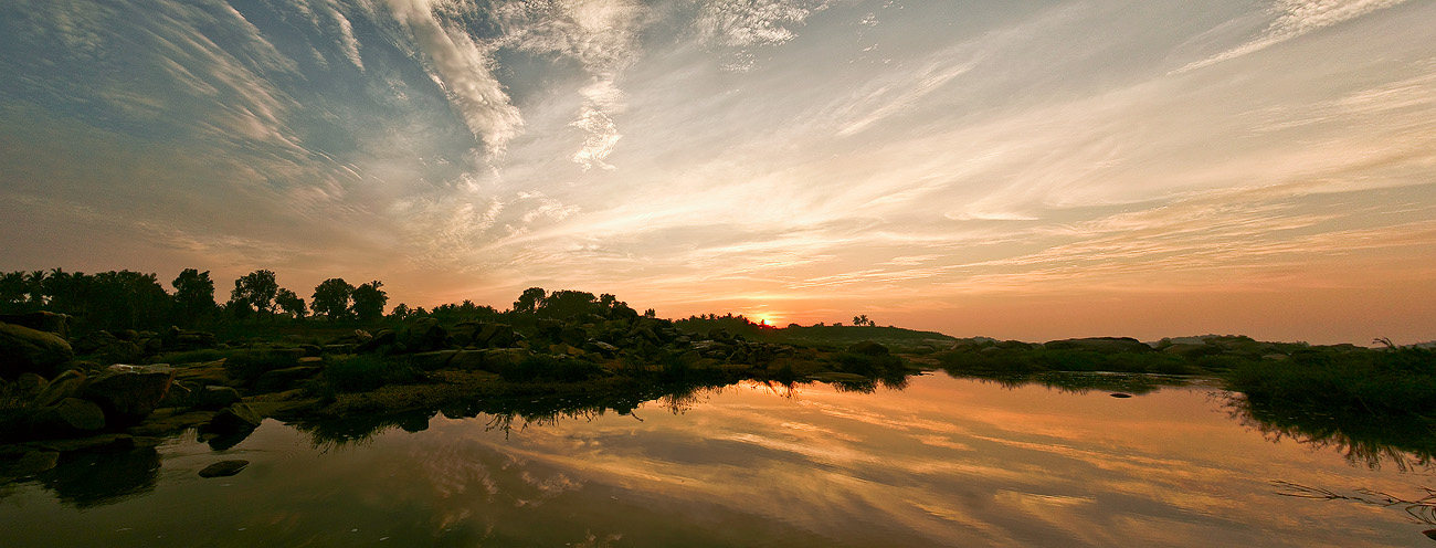 Sunset in Hampi by juhku
