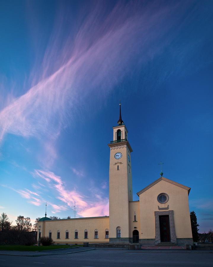 Viinikka Church by JuhaniViitanen