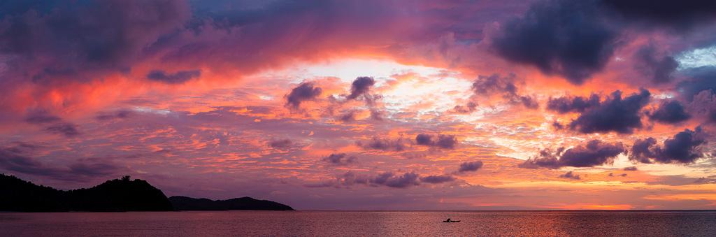 Borneo sunset by juhku