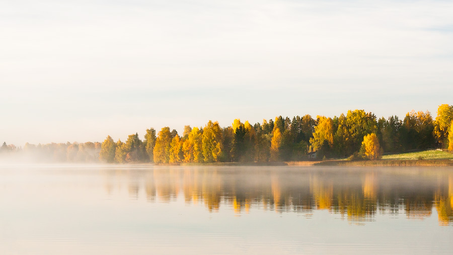 Autumn lake by juhku