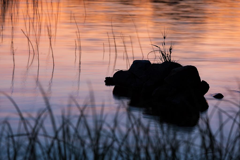 Morning lake by JuhaniViitanen