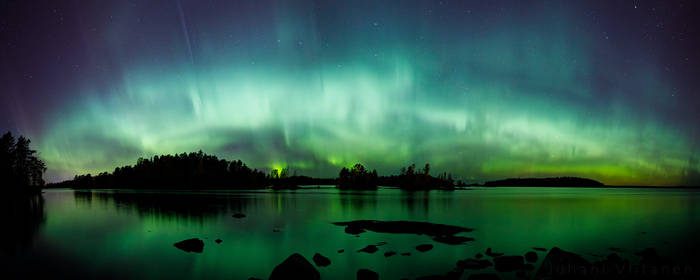 Northern lights panorama by JuhaniViitanen
