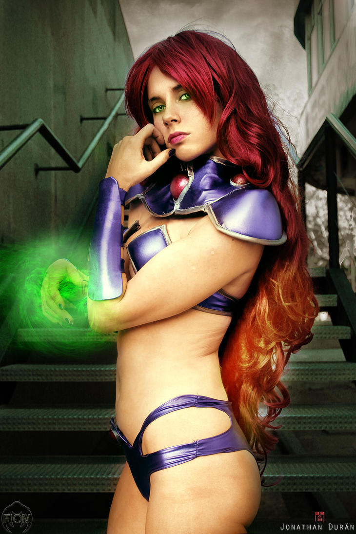 Starfire - Red Hood And The Outlaws by WhiteLemon