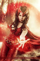 Scarlet Witch - Avengers - Marvel Comics by FioreSofen
