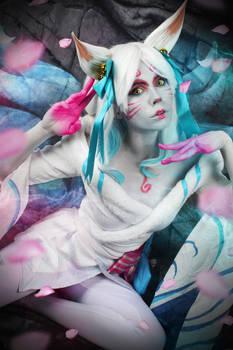 Ahri Spirit Blossom - League of Legends