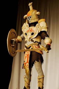 Hero's Shade - Masquerade 01