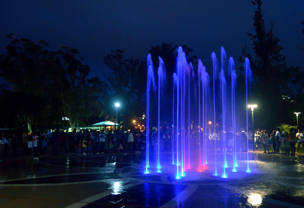 Fountains at Burnham Park by jeyk-O
