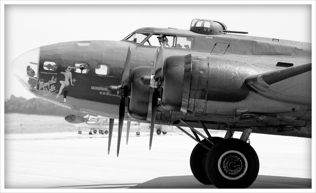 B 17 (WW II Bomber) by Merhlin on DeviantArt