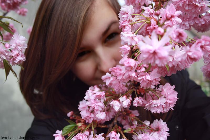 http://fc05.deviantart.net/fs70/f/2012/098/9/9/i_eat_flowers_again_by_kva_kva-d4vfl73.png