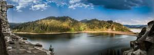 Czorsztyn Lake by marrciano
