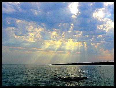 Sky, Sun And Sea by darkcalypso