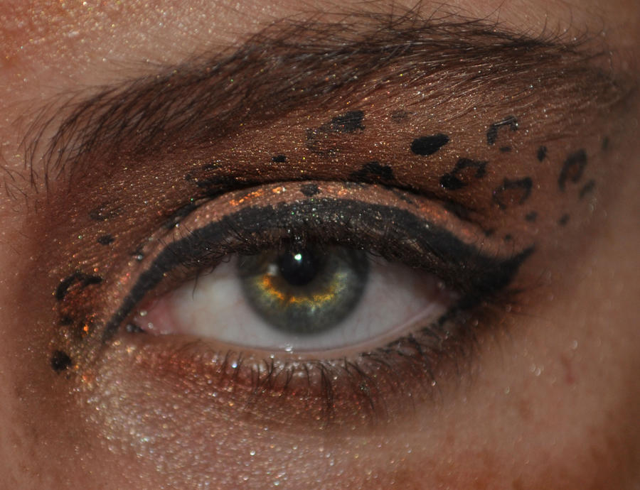 leopard eye make up by marshpawwolf on deviantart. Black Bedroom Furniture Sets. Home Design Ideas