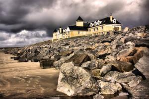 Sand Hotel by medinka