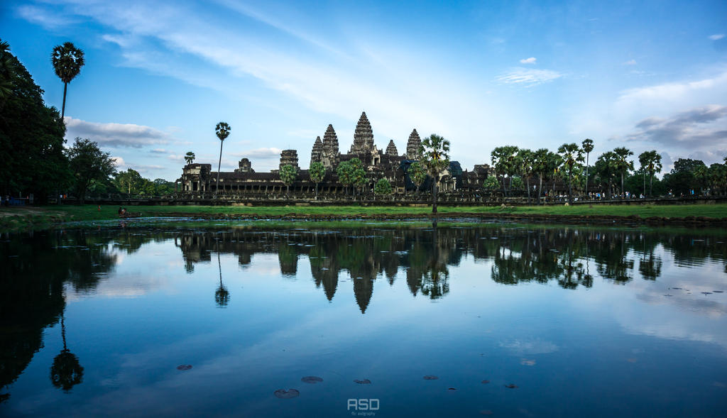 Angkor Wat by bdrc