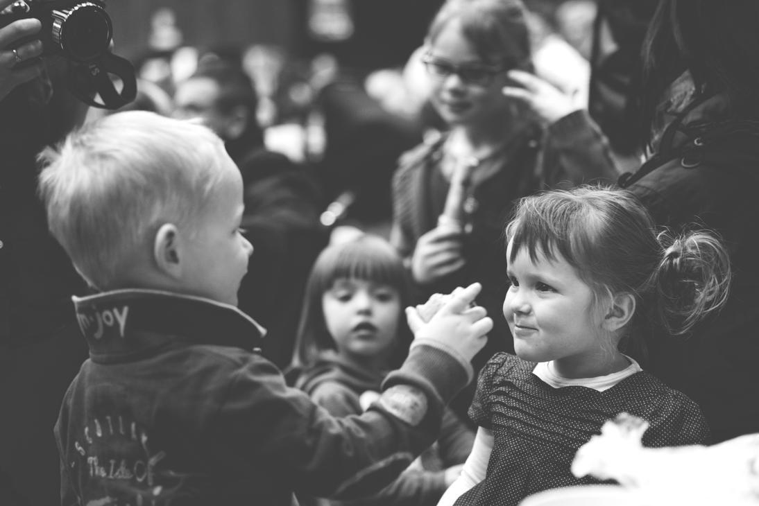 Amour d'enfance by D4Ybe >> DeviantArt.com