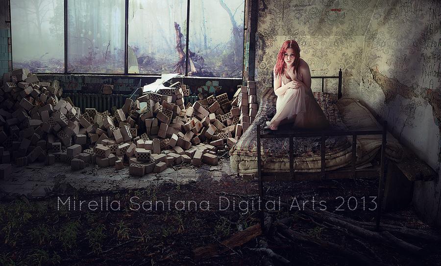 SILENT ROOM by MirellaSantana