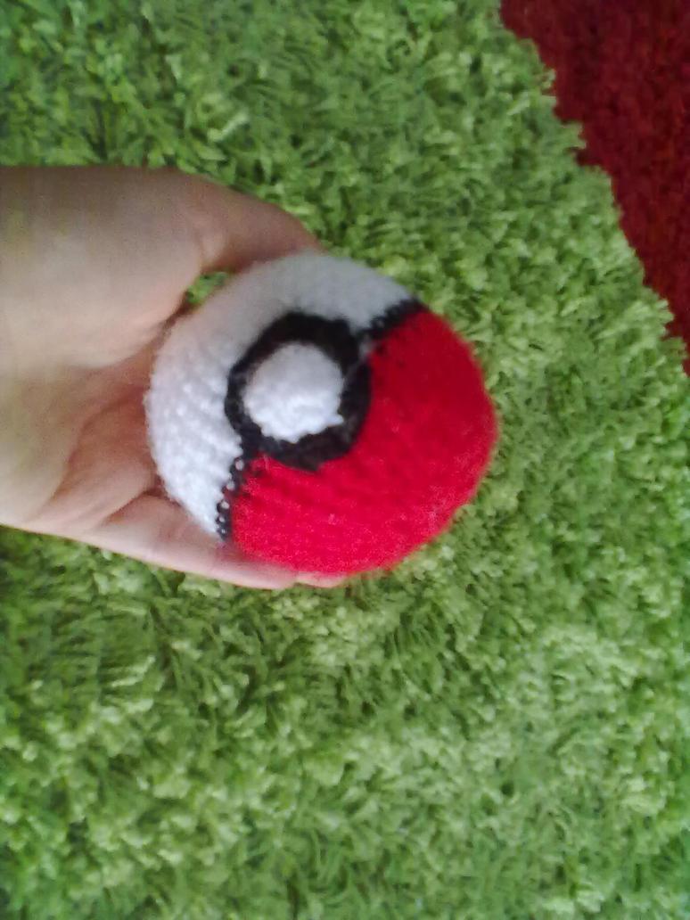 Amigurumi Poke Ball by IgnisArdor on deviantART
