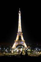 Eiffel Nuit by LithiumDeath