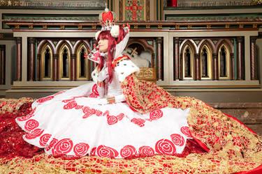 The Queen Grace by xxxStarlaxxx