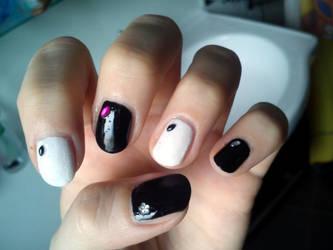 Nail BlackWhite Gems by velilein