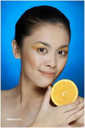 Half Orange by arrivesatten