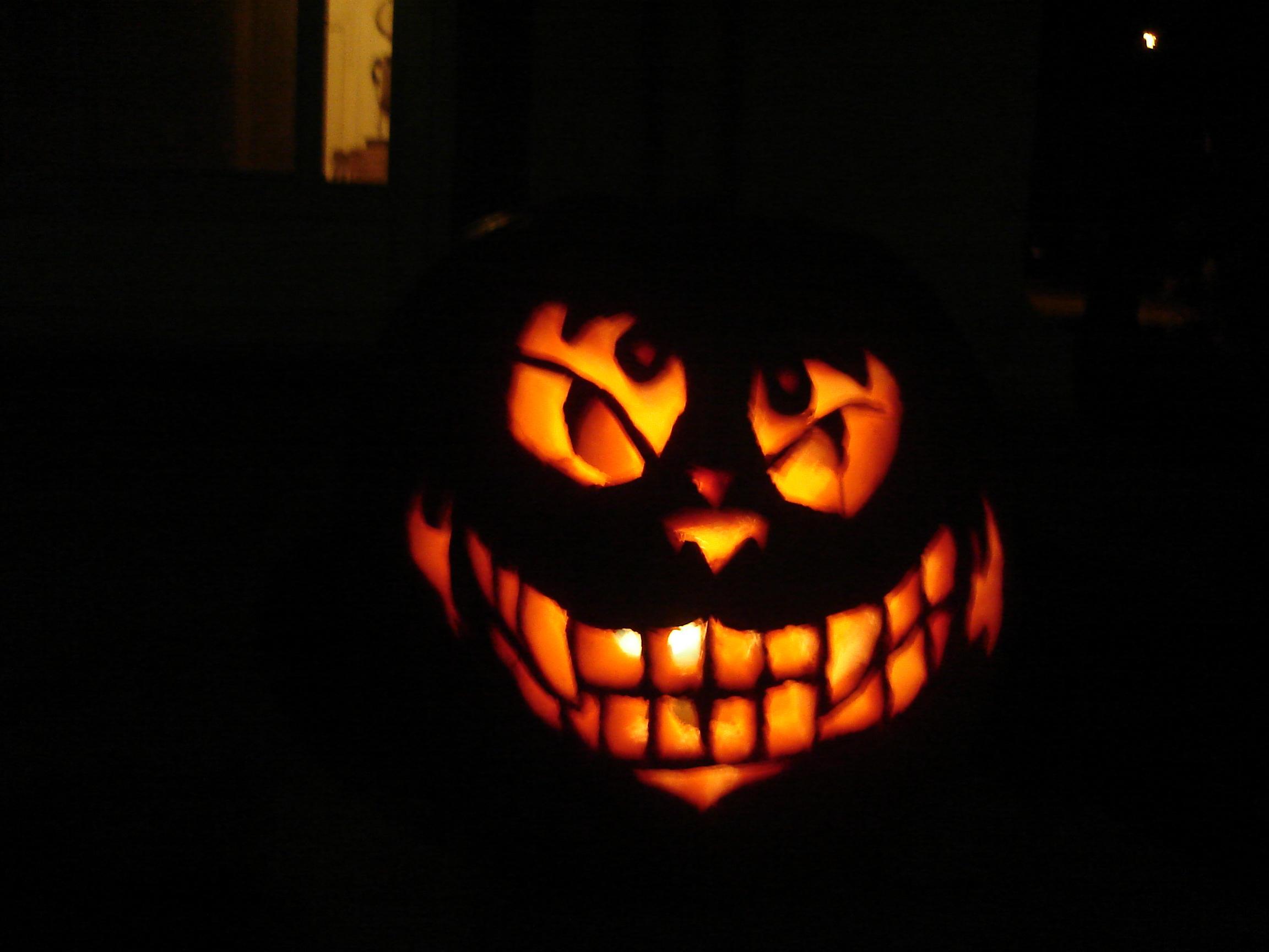Say hello to Mr. Cheshire Cat by Ashqtara on DeviantArt