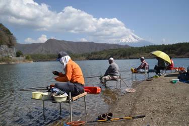 Fishermen near Fuji by peaceartist