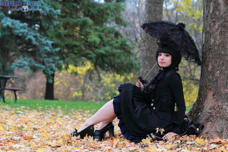 Black Lolita: + I fall for you + by HeikiC