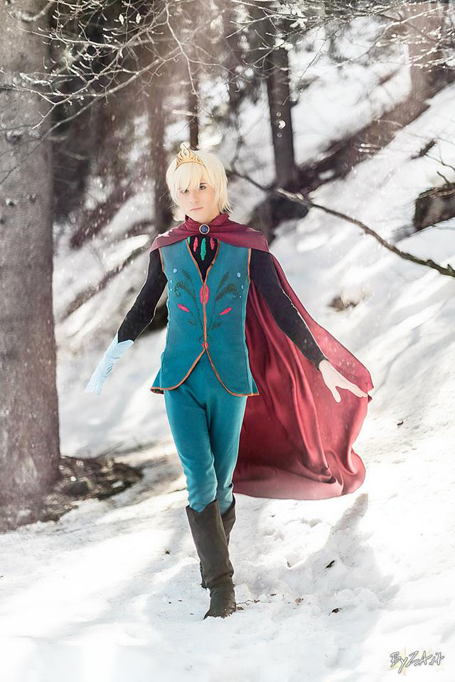 Elsa Cosplay (Male Version - Elias) - I'm Free! by DakunCosplay