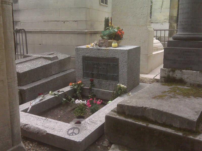 Jim Morrison's Grave by Selenalunarox