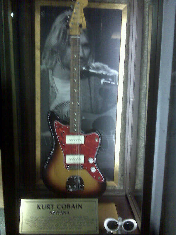 Kurt Cobains Guitar and Shades by Selenalunarox