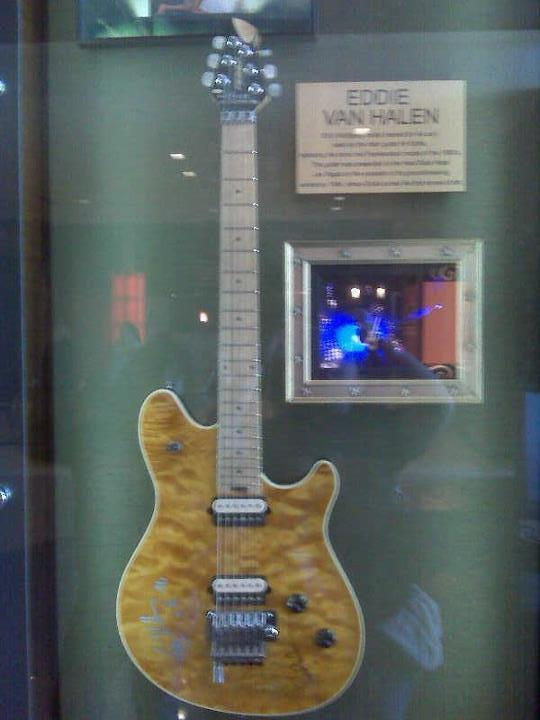 Eddie Van Halen's Guitar by Selenalunarox