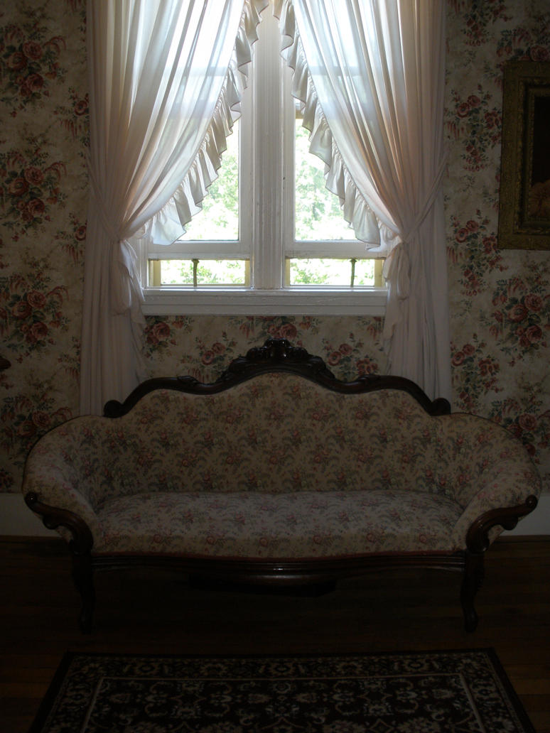 Old fashioned couch by princesstoodlebug on deviantart for Old fashioned couch