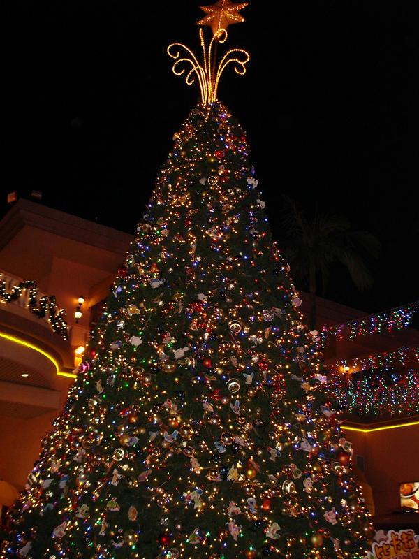 A Pokemon Christmas Tree by talianne on DeviantArt