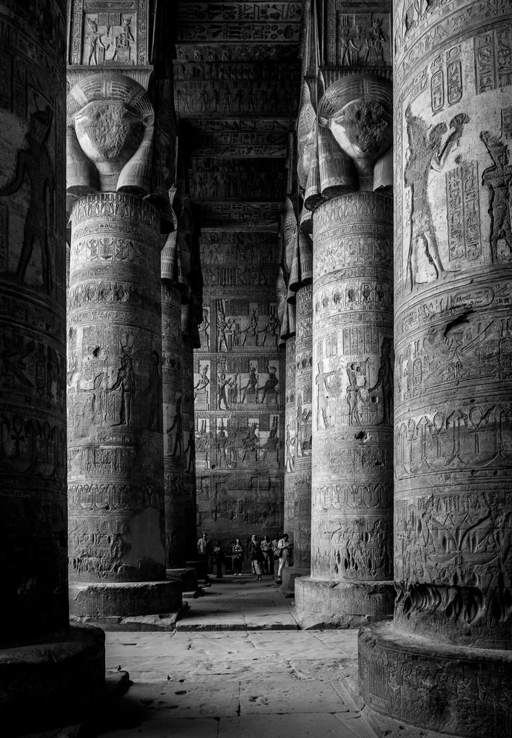 Dendera Temple by rrreese