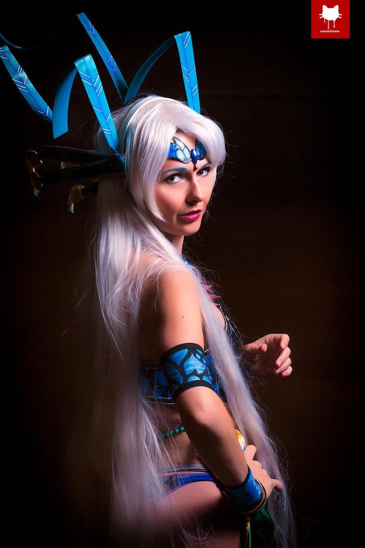 Lady Yunalesca by FloksyLocksy