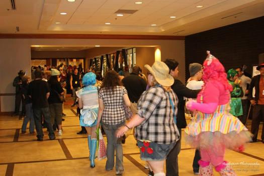 Pinkie Pie and Applejack - CAUGHT!