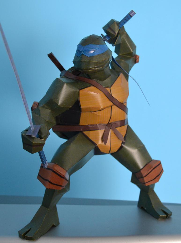 TMNT Leonardo 1 by two-wisemen