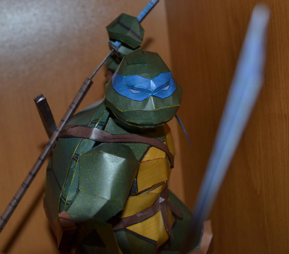 TMNT Leonardo 2 by two-wisemen