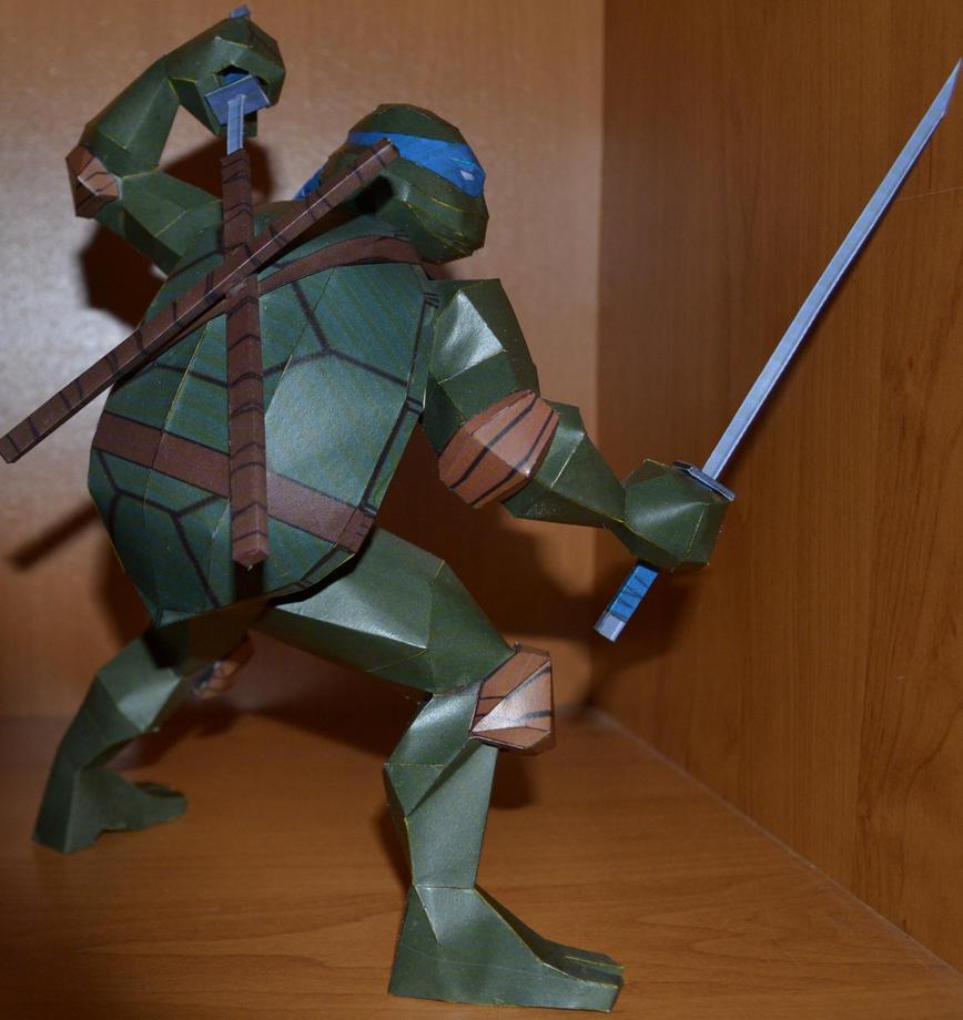 TMNT Leonardo 3 by two-wisemen