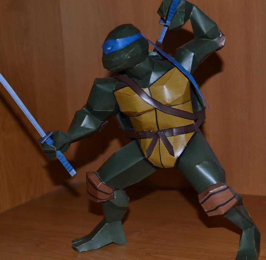 TMNT Leonardo  4 by two-wisemen