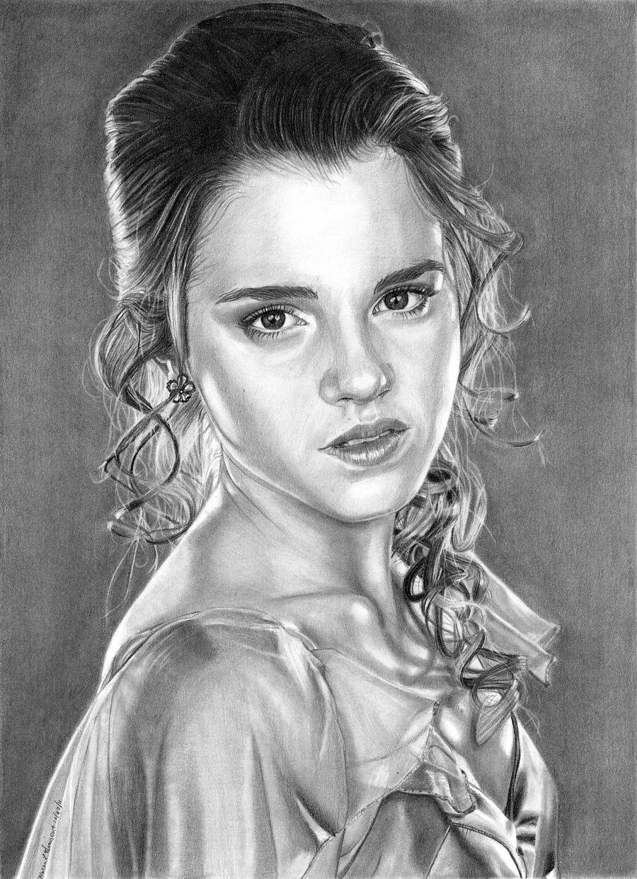 Hermione - Yule Ball by khinson